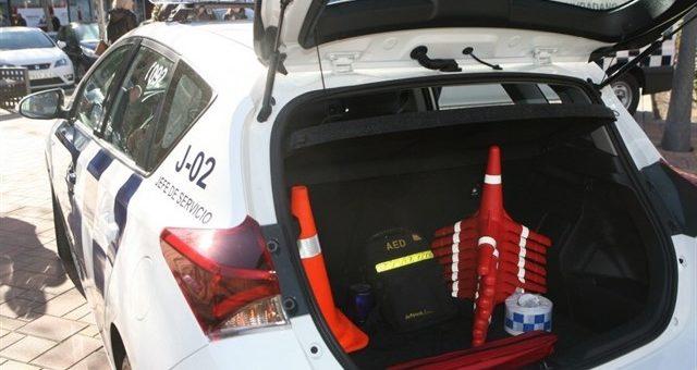 Salvan la vida de un hombre de 53 años gracias al desfibrilaror que tenían en el vehículo policial.
